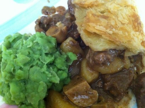 Easy beef steak and mushroom pie