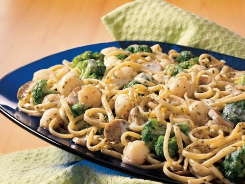 Scallop & Broccoli Linguine with Pesto Sauce