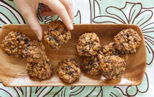 Cinnamon Walnut Oatmeal Cookies