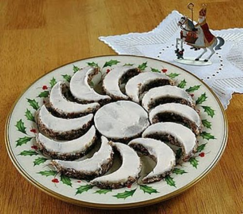 Yule Moon Cookies
