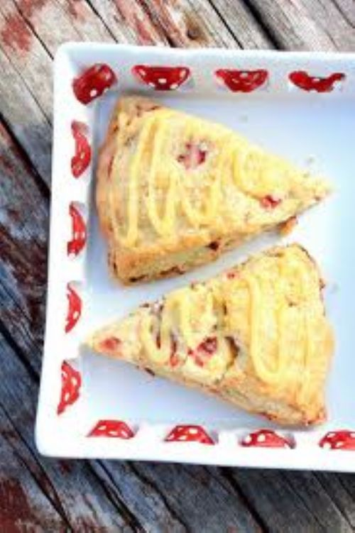 Strawberry Lemonade Scones