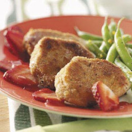 Pork Medallions with Garlic-Strawberry Sauce