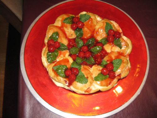 Christmas Wreath with Choux Pastry
