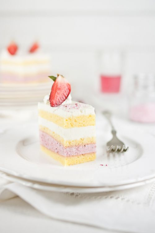 Strawberry Mousse & Lemon Cream Cake
