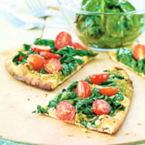 Pesto, Tomato & Spinach Naan Pizza