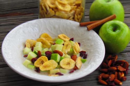 Crisp Apple and Almond 'Cereal'