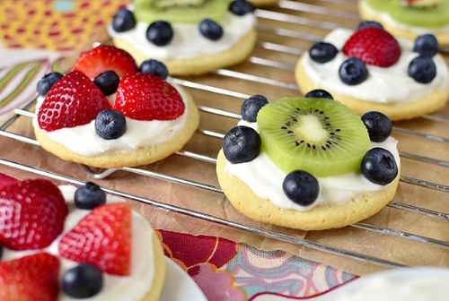 Mini Fruit Pizzas with Marshmallow Creme Frosting