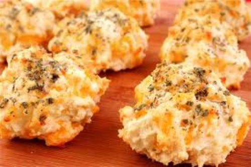 Red Lobster's Cheddar Biscuits