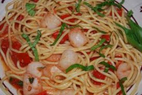 Spaghetti with Scallops, Fresh Tomatoes, and Basil