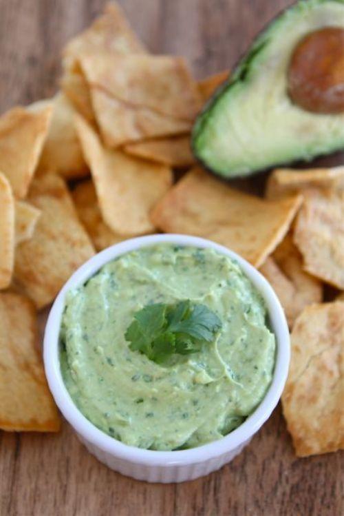 Creamy Avocado Yogurt Dip