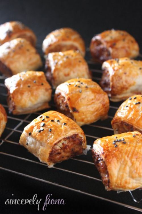 Mixed-sausage Rolls & Special Dipping Sauce