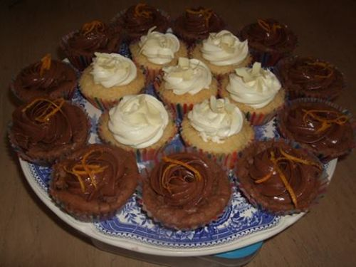 CHOC/ORANGE FUDGE CUPCAKE