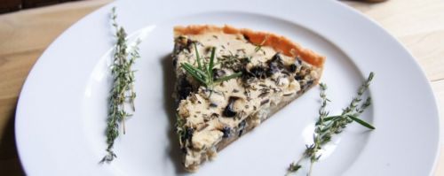Caramelized Onion and Portobello Tart with Thyme-R