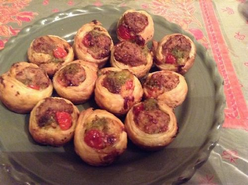 Pastry wrapped meatballs with Pesto and Tomatoes