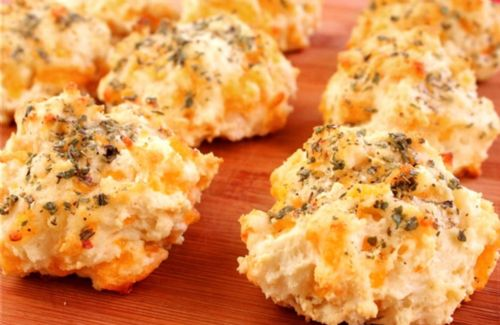 Bisquick cheddar garlic biscuits