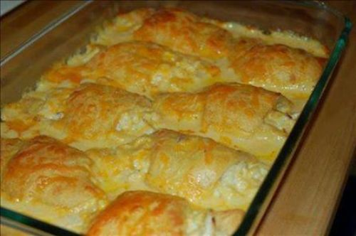 CHICKEN CRESCENT ROLL UPS