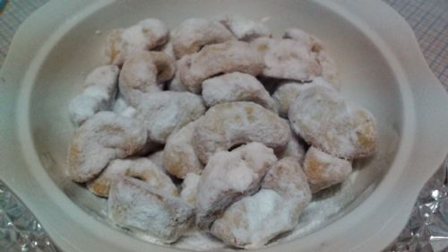 Kourabiedes! Crescent cookies so light, so Greek!!