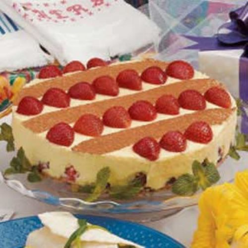 White Chocolate Strawberry Tort