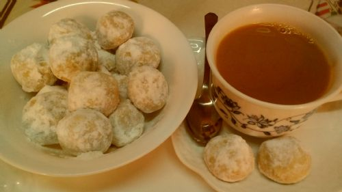 Russian Teacakes (Nut balls)