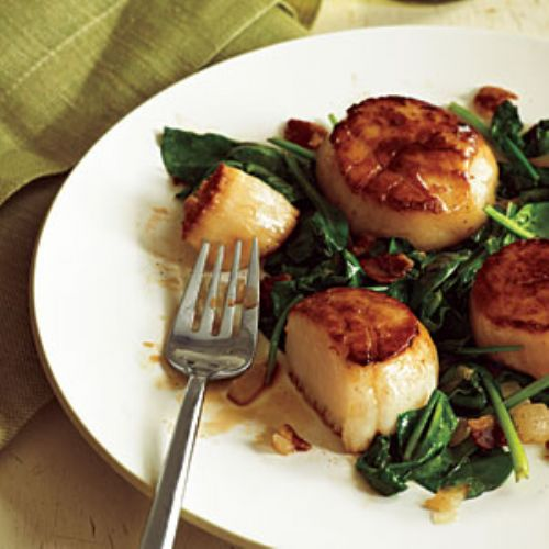 Pan Seared Scallops with Bacon and Spinach