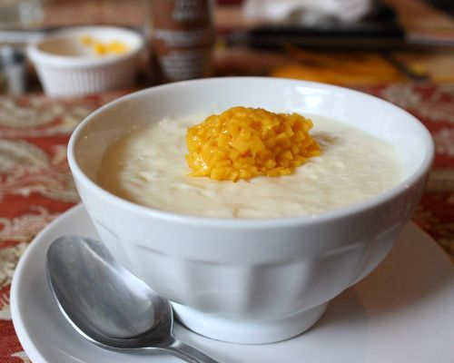 Creamy Rice Pudding with Mango