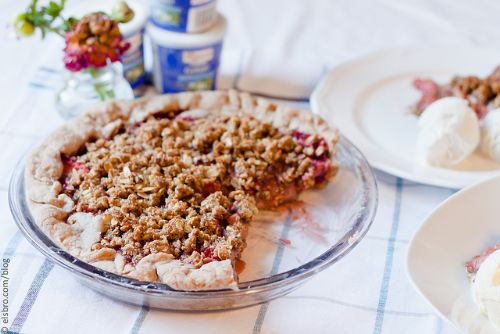 Spiced Strawberry Pie with Crumble Topping