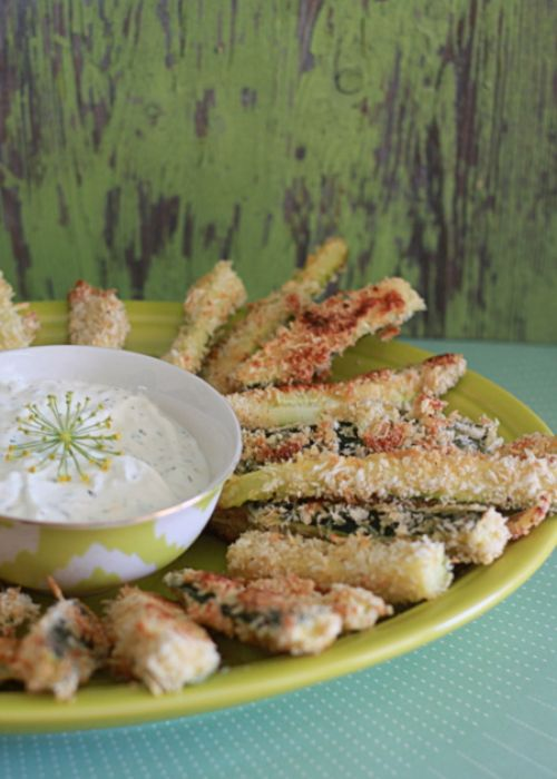 Spicy Baked Zucchini Fries with Dill Dip