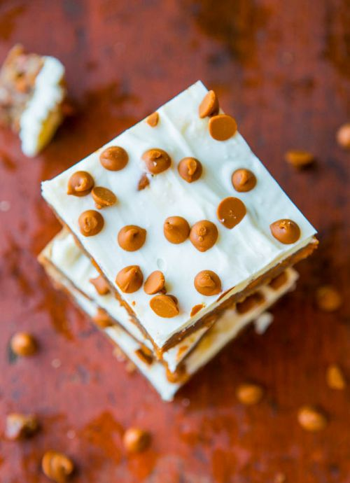 White Chocolate Topped Cinnamon Chip Bars