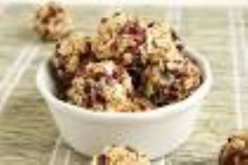 NO BAKE CHERRY PECAN CHIA ENERGY BITES
