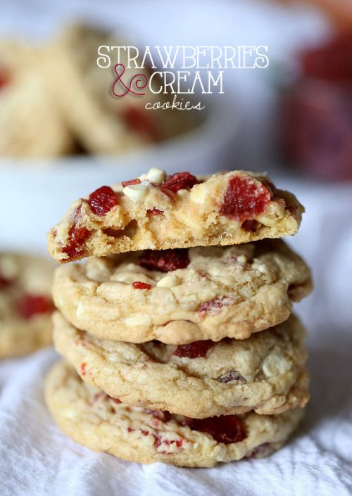 Strawberries and Cream Cookies