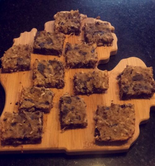 Paleo Chocolate Chunk Cookie Bars