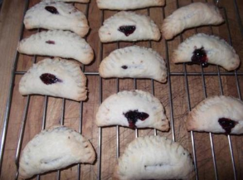 Blackberry Foldover Cookies