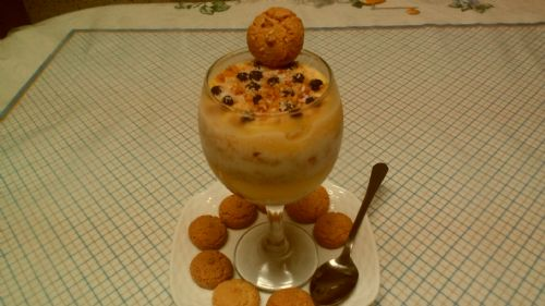 Custard and Banana Parfait, with Amaretto biscuits