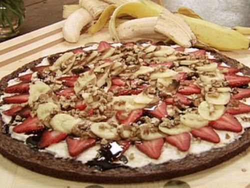 Banana Strawberry Brownie Pizza