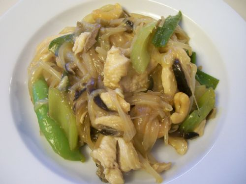 Shelly's Ginger Cashew Chicken Stir Fry