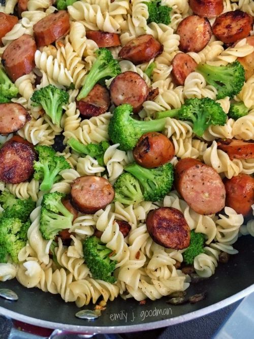 Pasta with Broccoli and Sausage (21 Day Fix)