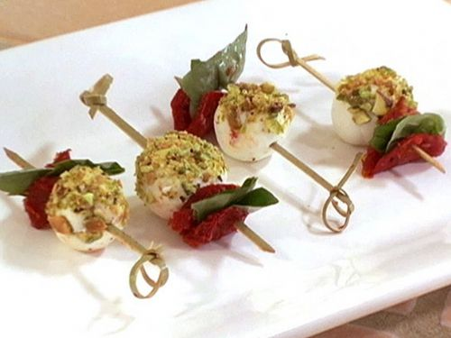 SUN-DRIED TOMATO & GRILLED CHEESE SKEWER