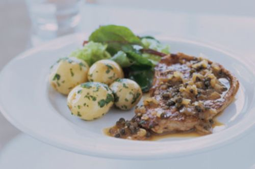 Veal with green peppercorn sauce
