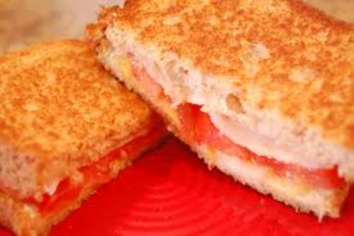 Grilled Cheese with Tomato
